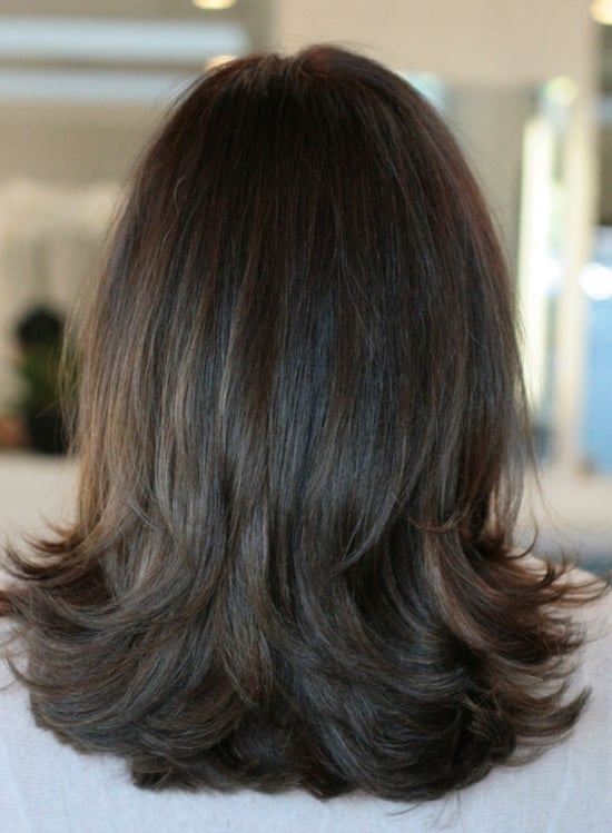 прически на средние волосы тонкие волосы фото