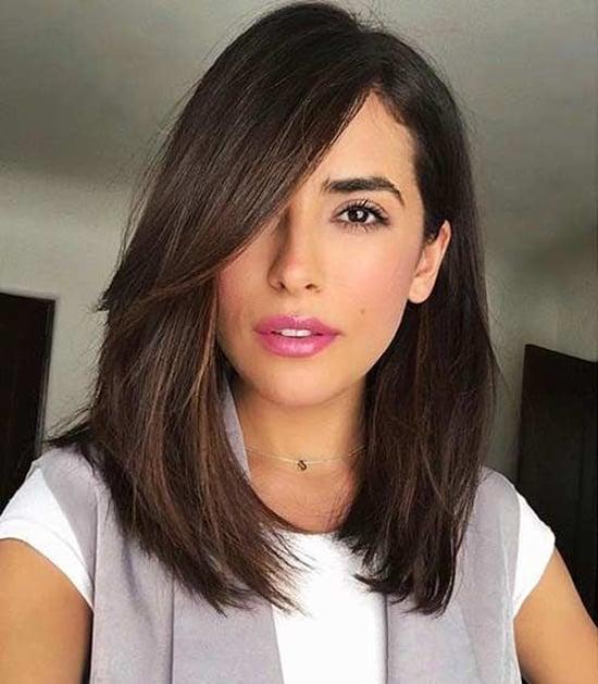 Стрижка на средние волосы с длинной чёлкой фото