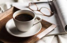 Почему не стоит пить кофе сразу после пробуждения